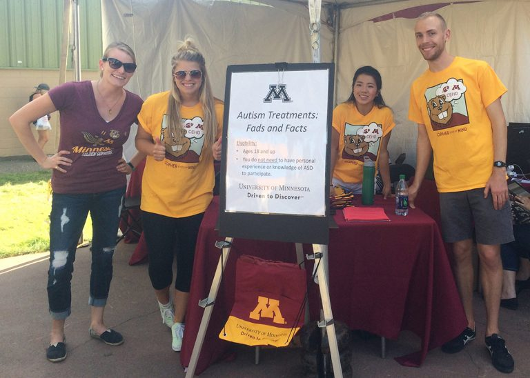Psych foundations research team collects surveys at Minnesota State Fair